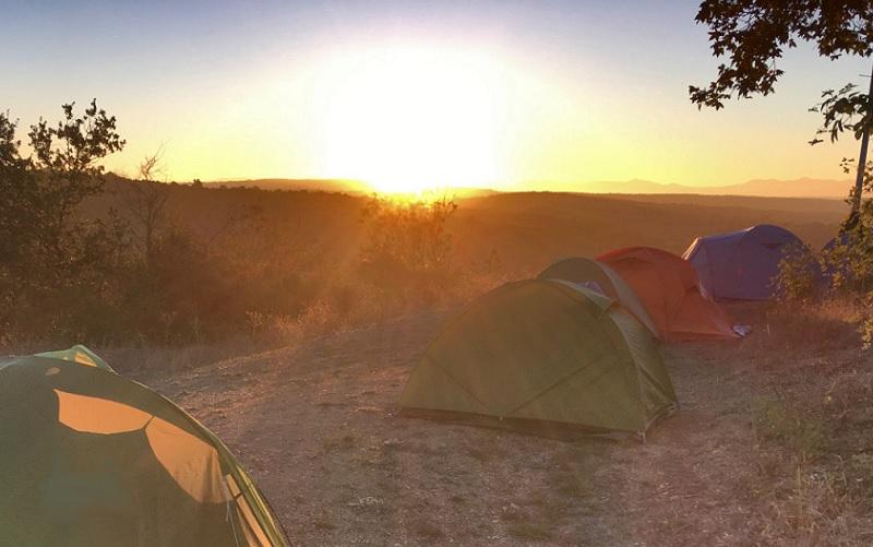 Nel safari in umbria si dorme nelle tende